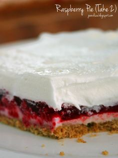 Jo and Sue: Raspberry Pie (Take - only 195 calories, no bake, 15 minutes to make. Perfect for Canada Day, Valentine's Day, Christmas. Party Desserts, No Bake Desserts, Just Desserts, Delicious Desserts, Pie Dessert, Eat Dessert First, Tart Recipes, Sweets Recipes, Canadian Food