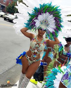 Island Beauty: Country/Heritage: 🇯🇲 ━━━━━━━━━━━━━━━━━━━━━ Tag your photos from NY West Indian Carnival! Brazilian Carnival Costumes, Carribean Carnival Costumes, Trinidad Carnival, Caribbean Carnival, Brazil Carnival, Carnival Dancers, Carnival Girl, Carnival Fashion, Carnival Outfits