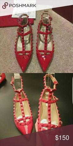 1:1 valentino flats- all sizes Genuine leather flats. AAA+ quality. They come with box and dustbags. 7-10 days delivery time. All colors available. Valentino Garavani Shoes Flats & Loafers