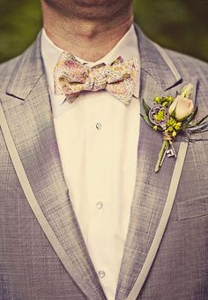 Great idea for making it more fun by adding a key to the flowers. Maybe a skeleton key with a heart?