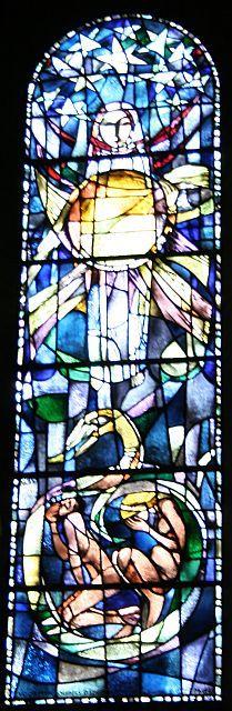 Glas in Lood Maria bekleed met de zon 1962  Fatimakerk Brunsum Kerken in Limburg