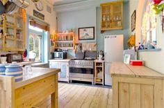 free-standing kitchen. OUR KITCHEN NOT BIG ENOUGH! BUT MAYBE ISE SOME OF THE IDEAS