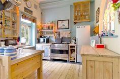 free-standing kitchen
