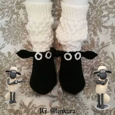 113 likes, 6 comments – Marja-Leena Kejonen Loom Crochet, Crochet Mittens, Knitted Slippers, Knitting Socks, Hand Knitting, Knitting Designs, Knitting Patterns, Timmy Time, Knitting For Kids