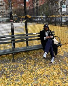 Style Urban, Autumn Cozy, Autumn Aesthetic, Best Seasons, We Fall In Love, Mode Streetwear, Fall Photos, Fall Pics, Months In A Year