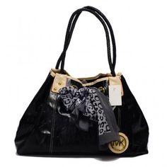Michael Kors Scarf Jacquard Large Black 006 Shoulder Bags