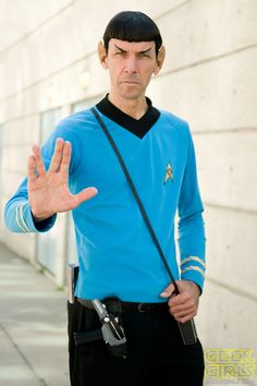 Check out the hottest Trek Cosplays! Star Trek Cosplay, Epic Cosplay, Male Cosplay, Comic Con Cosplay, Amazing Cosplay, Cosplay Ideas, Star Trek Kostüm, Film Star Trek, Cool Costumes