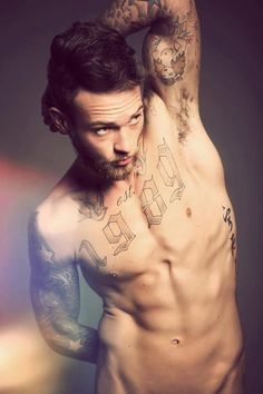 Modèles de tatouages catégorie homme