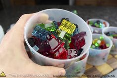 These gummy LEGOs combine most of our favorite things in the world! And they're so easy to make. Get the recipe in this fun math story! Gummi Candy, Lego Candy, Lego Torte, Lego Math, Fun Math, Healthy Bedtime Snacks, Ninjago Party, Lego Ninjago, Food Wishes