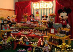 decoração circo buffet turma do haroldo