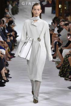 Giada Spring 2019 Ready-to-Wear Collection - Vogue Офисная Мода, Мода Детали 778ec197738