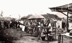 Barceloneta 100 jaar geleden. Mosselverkoopsters op het strand http://groetenuitbarcelona.blogspot.com.es/2015/02/sinaasappelen-en-hollywood-het-carnaval.html