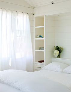 5 White Paint Colors for Interior Spaces
