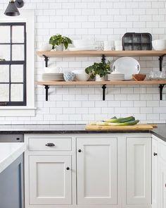 Exceptionnel White Black Wood Shelving Cuisines Côtières, Cuisine Salle À Manger, Maison  2, Idées