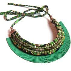 www.cewax.fr aime les bijoux ethno tendance Bijoux ethniques et style tribal. CéWax aussi fait des bijoux en tissus imprimés africains, on vous retrouve en boutique ici: http://cewax.alittlemarket.com/ - Collier -amazones- vert wax suedine perles
