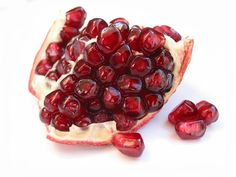 Pomegranates are one of the healthiest and most healing fruits available today. They are rich in vitamin C, K, B-complex and minerals such as copper, calcium, and potassium. Pomegranates are an excellent weight loss food and also benefit the body by boosting the immune system, improving circulation, and offering protection from cancer and Alzheimer's disease.