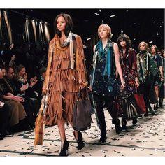 «Final @burberry  #lfw #burberry #FW15 #lofficiel #lofficielparis #lofficiellive #fashionleaks»