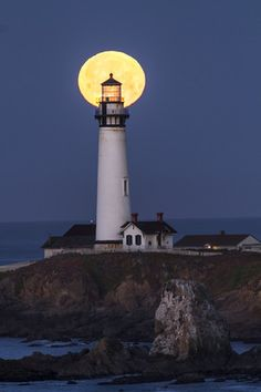 What a great shot of the Pigeon Point light house. Someone planned ahead.