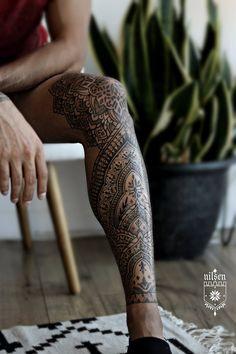 Mandala Tattoo Mann, Mandala Tattoo Sleeve, Henna Sleeve, Leg Sleeve Tattoo, Leg Tattoo Men, Best Sleeve Tattoos, Tattoos Bein, Full Leg Tattoos, Tattoos For Guys