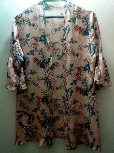 #kimonoverano #kimono #kiminoflores Kimono, Button Down Shirt, Men Casual, Mens Tops, Shirts, Fashion, Summer Time, Fashion Trends, Moda