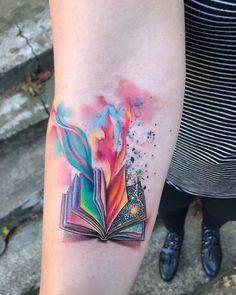 Exceptional Book Tattoo Ideas tattoo designs ideas männer männer ideen old school quotes sketches Neue Tattoos, Body Art Tattoos, Small Tattoos, Small Colorful Tattoos, Lower Leg Tattoos, Tattoo Girls, Girl Tattoos, Tattoos For Women, Tatoos