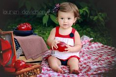 4th of July kids photo ideas. Picnic picture ideas.  Unique 1 year old photo ideas. 2 year old photo ideas. Toddler girl photos. Vintage summer photos. Lauren Davidson photography.