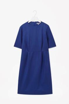 Terrific colour stylish dress.