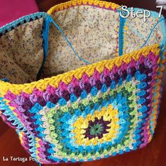 Marvelous Crochet A Shell Stitch Purse Bag Ideas. Wonderful Crochet A Shell Stitch Purse Bag Ideas. Crochet Round, Love Crochet, Bead Crochet, Crochet Granny, Crochet Hooks, Crochet Shell Stitch, Crochet Stitches, Crochet Patterns, Crotchet Bags
