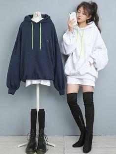 마리쉬♥패션 트렌드북! Cute Skirt Outfits, Edgy Outfits, Korean Outfits, Korean Street Fashion, Korea Fashion, Asian Fashion, Matching Outfits Best Friend, Friend Outfits, Girls Fashion Clothes