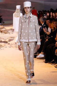 Moncler Gamme Rouge Spring 2017 Ready-to-Wear