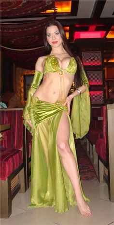 exotic dance, belly dance- green outfit
