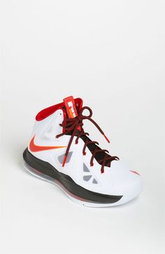 Luis had these Lebrons when thy first came out love these shoes want them in every color!