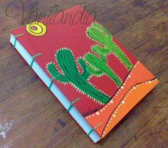 MODELO: vamos al Norte Cuadernos tamaño A5 (15cm x 21cm) Tapa dura, de cartón pintadas a mano en su integridad con varias capa de barniz para proteger el dibujo. 104 hojas lisas de papel de 80g/m2