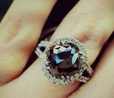 Pretty & affordable black diamond engagement rings - #teamido #brideways #engagementring