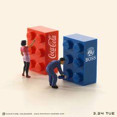 (4) Miniature Calendar