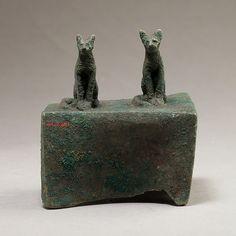 Two cats surmounting a box for an animal mummy, 664–30 B.C. Egyptian. The Metropolitan Museum of Art, New York. Gift of Darius Ogden Mills, 1904 (04.2.601) #cats