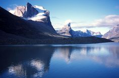 Mount Thor in Auyuittuq National Park, Baffin Island. So many corners of Canada still to explore. Who knew Canada could be so cool? Summit Lake, East Of The Sun, Travel Forums, World View, Largest Countries, Archipelago, Where To Go, Places To See, National Parks