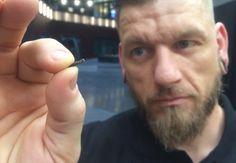 Unternehmen implantiert Mitarbeitern Mikrochips in die Hand