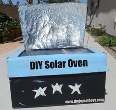Solar Oven made from cardboard boxes. Make your own solar oven. site for instructions: http://www.allfreecrafts.com/nature/solar-cooker.shtml