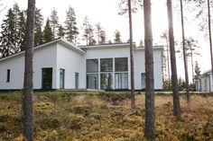 Harmaja honkain keskellä - Valkoinen Harmaja House Plans, Architecture, Boss Lady, Interior, Plants, Instagram, Home, Blueprints For Homes, Home Plans