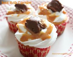 Baby Ruth Cupcakes - An easy Baby Ruth Cupcake with a Baby Ruth candy filling, Almond Buttercream frosting, topped with caramel and a Baby Ruth Candy Cupcake Recipes, Baking Recipes, Cupcake Cakes, Dessert Recipes, Cup Cakes, Cupcake Ideas, Cupcake Decorations, Popcorn Recipes, Dinner Recipes
