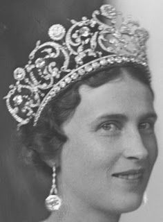 Tiara Mania: Diamond Floral Tiara worn by Princess Olga of Yugoslavia