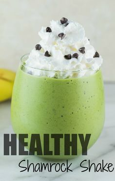 Start your St. Paddy's festivities the healthful way with this nutrient packed Shamrock Shake! Filled with iron & healthy fats! Smoothie Drinks, Fruit Smoothies, Healthy Smoothies, Healthy Drinks, Smoothie Recipes, Healthy Snacks, Healthy Recipes, Healthy Eats, Vegetarian Recipes