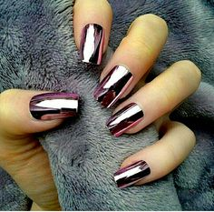 17 Winter Nails - Winter chrome nails that are edgy and sleek. - 17 Winter Nails – Winter chrome nails that are edgy and sleek. Metallic Nail Polish, Nail Polish Trends, Nail Polish Colors, Acrylic Nails, Matte Nails, Chrome Nail Polish, Gel Polish, Gold Nails, Purple Nails