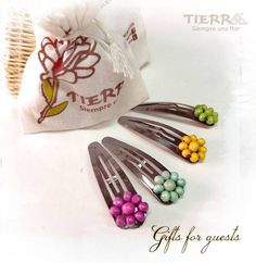 Tierra. Gifts for guests.