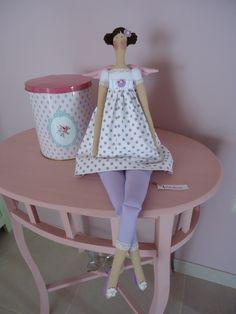 Princesa Tilda  BY A Fadhttps://www.facebook.com/pages/A-Fada-Rosarinho/156591247695850a Rosarinho