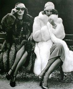 Vintage Fashion Marie Claire Magazine Paris 1974 - Vintage fur coats from the most fashionable decades . Legendary fashion icons from the past in their fur coats , complete a vintage fashion spirit. 20s Fashion, Fashion History, Sporty Fashion, Petite Fashion, Winter Fashion, Hollywood Glamour, Old Hollywood, Mode Vintage, Retro Vintage