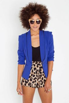 I want her outfit!...Got the blazer :)
