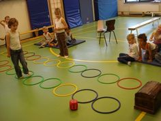 gymles piraten - juf-joyce.nl Gross Motor Activities, Physical Activities, Fun Activities, Pirate Crafts, Pirate Art, Jack Le Pirate, Preschool Pirate Theme, Early Math, Exercise For Kids