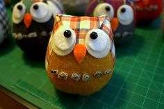 Little Hipster Owl Pincushions!